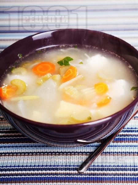Зеленчукова супа с картофи, целина и сирене - снимка на рецептата